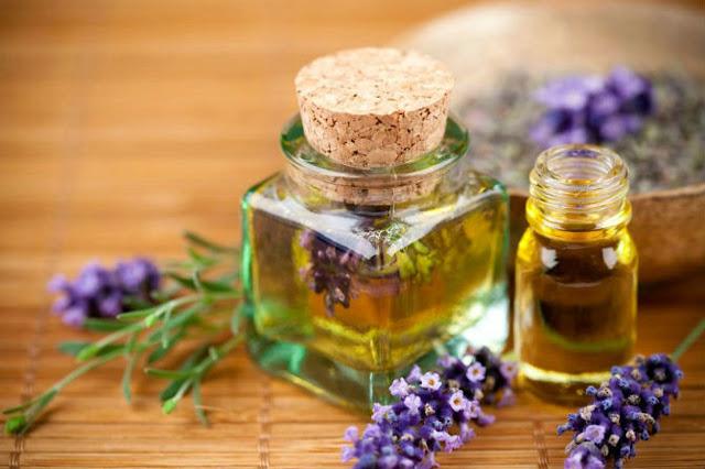Khám phá 4 loại tinh dầu massage giúp căng da mặt hiệu quả