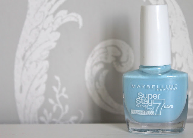 Maybelline Superstay Forever Strong Nail Polishes in Sea Sky