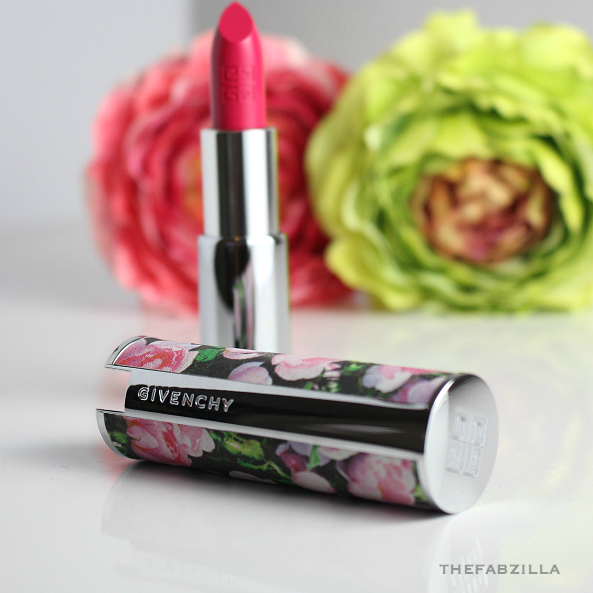 Summer Best Hot Pink Lipstick, Givenchy Couture Edition Intense Color Sensuously Mat Lip Color 205 Fuchsia Irresistible, Review, Swatch, Summer Lipstick, Taylor Swift lips