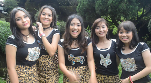 Lirik Lagu Anggun Manja Ingusan (M2j) – Kasian Deh Lo