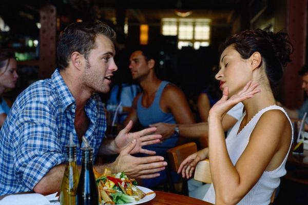कभी भी लड़कियों को भूल से भी न बोले ये 5 शब्द, सुनकर हो जाती है नाराज!