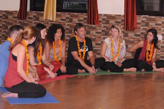 What You Should Look for While Choosing Yoga Schools in India