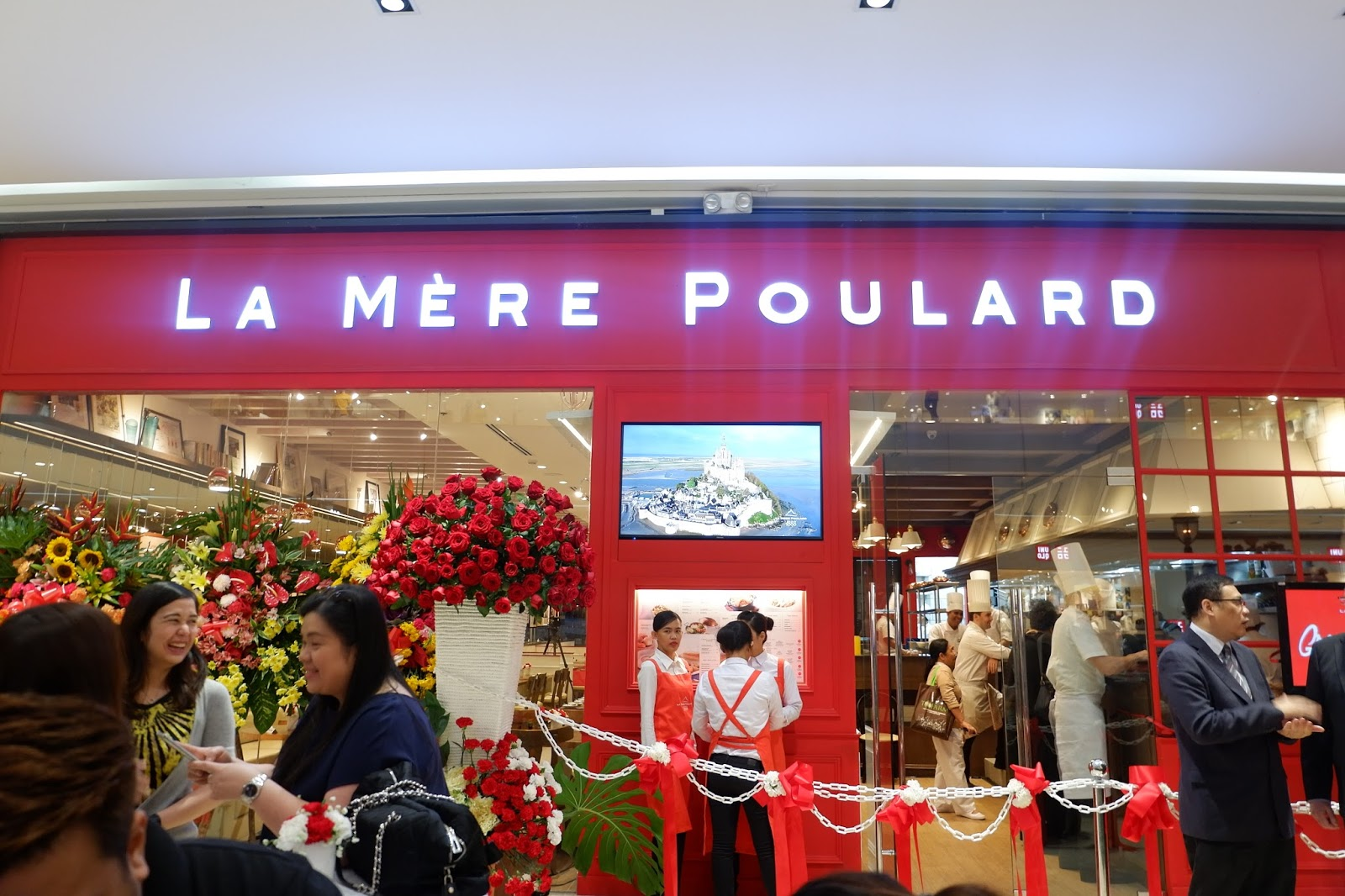 Craving for Authentic French Cuisine? La Mère Poulard is now in Manila!