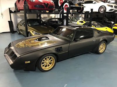 1979 Pontiac Firebird Trans Am TA with screamin' chicken