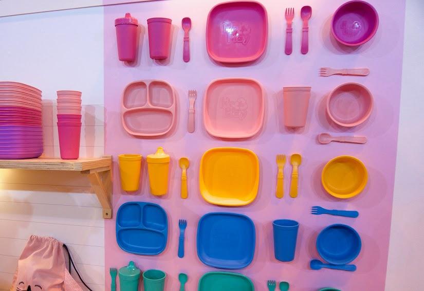 Vajillas de plástico reciclado de Re-Play