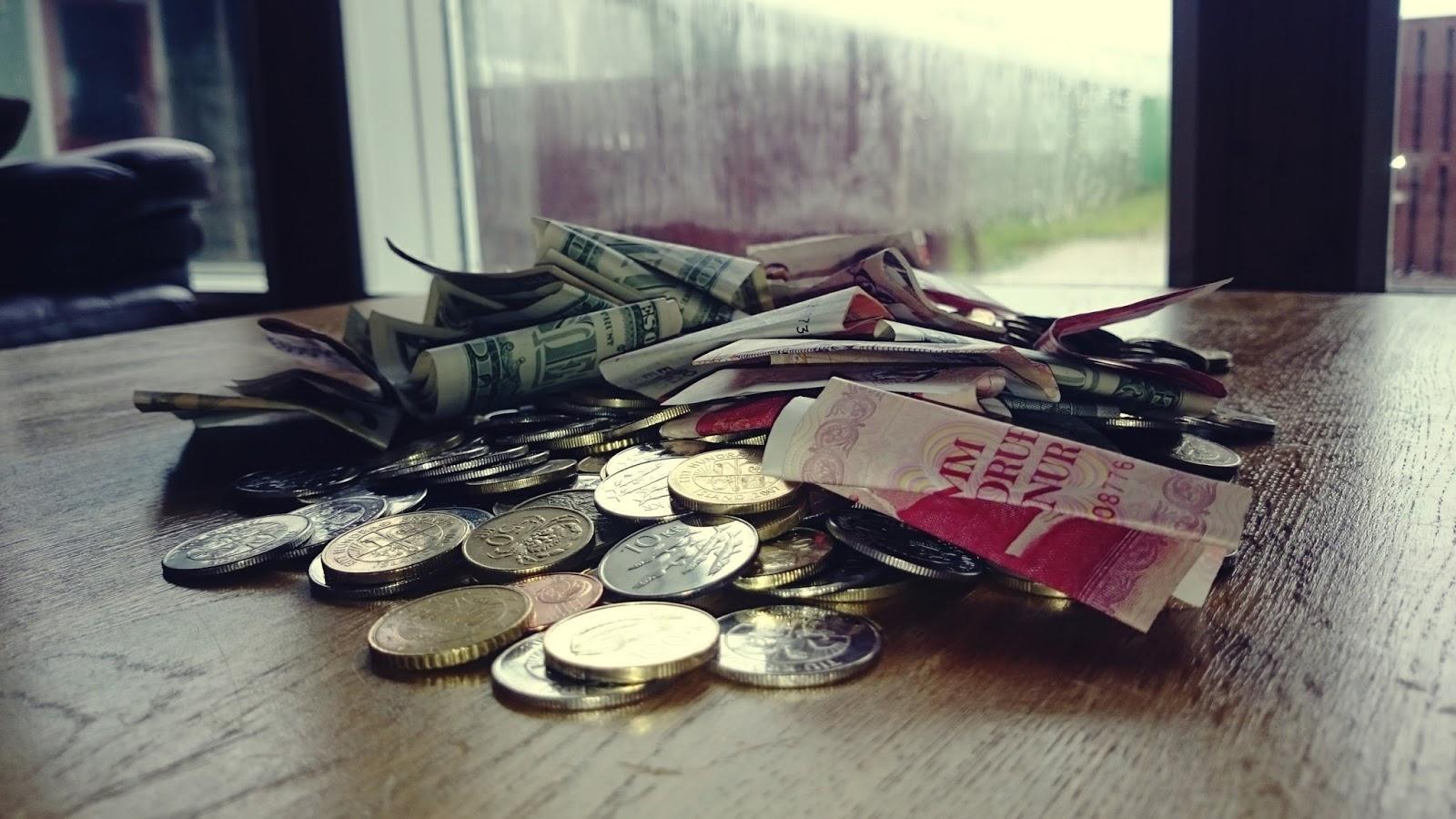 pieniądze, islandzkie pieniądze, Islandia zarobki, ile płacą w Islandii