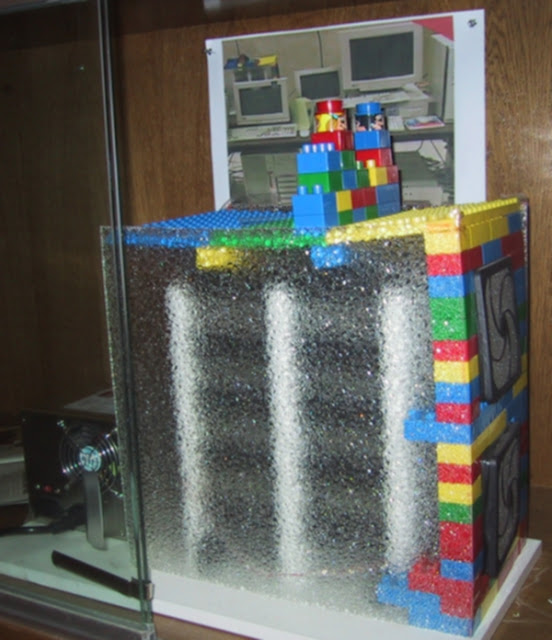fakta google tempat penyimpanan disk drive terbuat dari lego