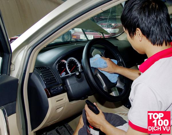 dịch vụ khử mùi hải sản trên xe ô tô