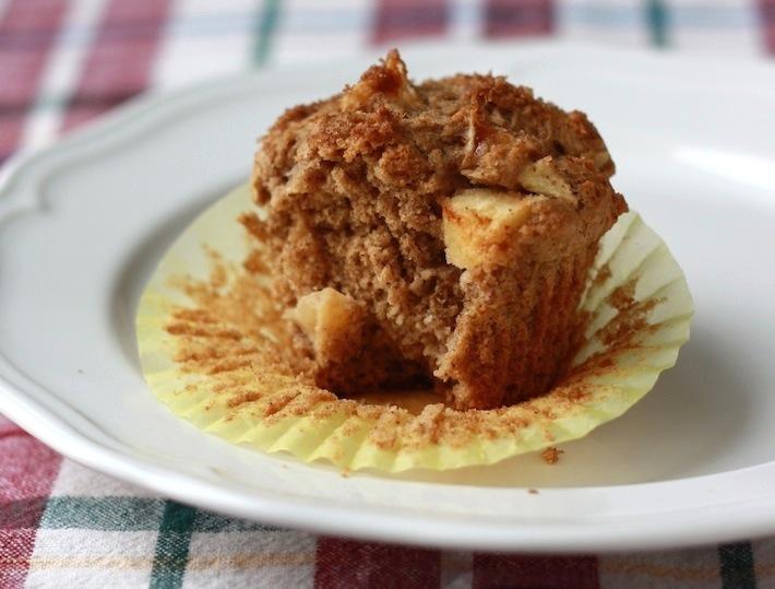 Apple Cinnamon Muffins recipe by SeasonWithSpice.com