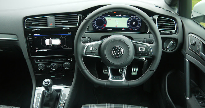 VW Golf GTD 7.5 cockpit