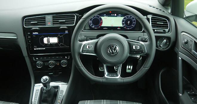 VW Golf GTD 7.5 cockpit