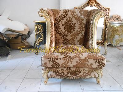 sofa tamu ukiran jati jepara klasik modern duco putih emas silver,furniture klasik mewah,jual mebel jepara009,toko jati,JUAL MEBEL JEPARA,AIFURINDO,MEBEL UKIRAN JEPARA,MEBEL KLASIK,MEBEL DUCO,MEBEL FRENCH,MEBEL KLASIK JEPARA,MEBEL JATI JEPARA KLASIK MODERN.