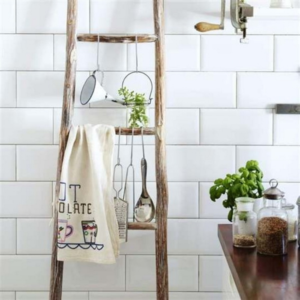 DIY Trending Decor - Amazing Decorating With Ladders 10