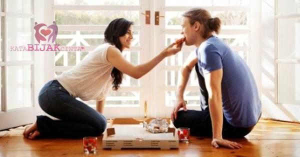 Cara Merayu Wanita Pada Pertemuan Pertama dengan Perhatikan Reaksinya