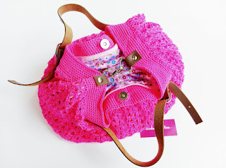 tas rajut, tas rajut tangan, tas rajut nilon, crochet bag, crochet handbag, crochet shoulder bag, tas rajut kamila, rajutmerajut.com, tas rajut fungsi ganda, tas rajut unik, pink lover, tas rajut pink