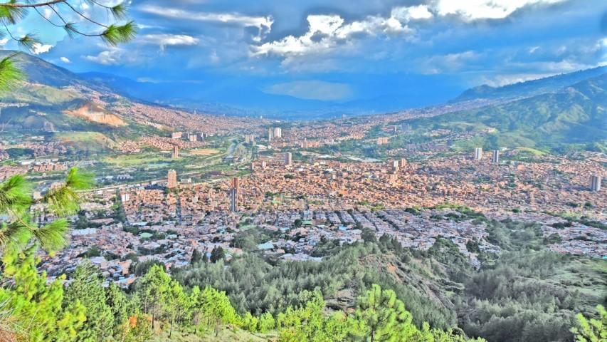 este es un efecto de pintura del valle de aburrá bello y medellín