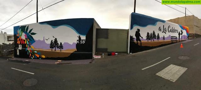 """La Reserva Mundial de la Biosfera La Palma culmina el mural """"A La Caldera"""", ejemplo de intervención artística para el embellecimiento de entornos urbanos degradados"""