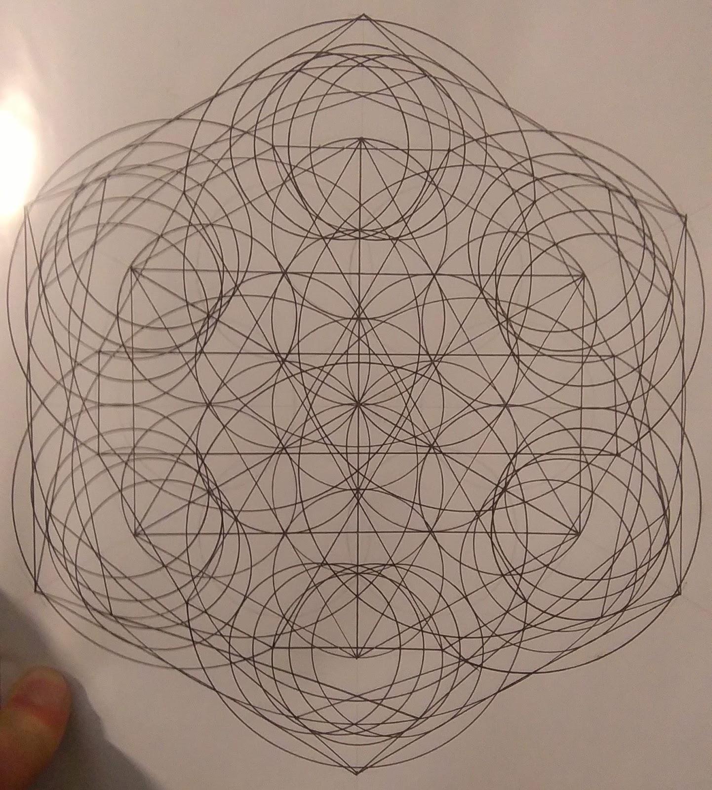 [SPOLYK] - Geometries & sketches - Page 6 48411102_1107573659429317_1420935718804389888_o