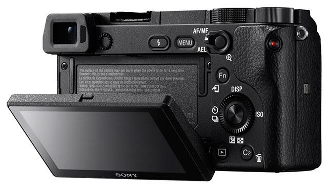 Il dorso della Sony A6300