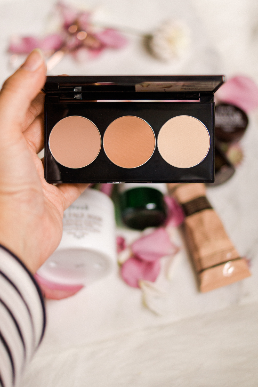 smashbox-contour-kit-autumn-beauty-favourites-barely-there-beauty-blog