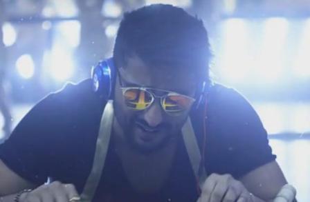 Kabir Most Wanted Munda Lyrics - Ki and Ka (2016) | Arjun Kapoor & Kareena Kapoor Khan