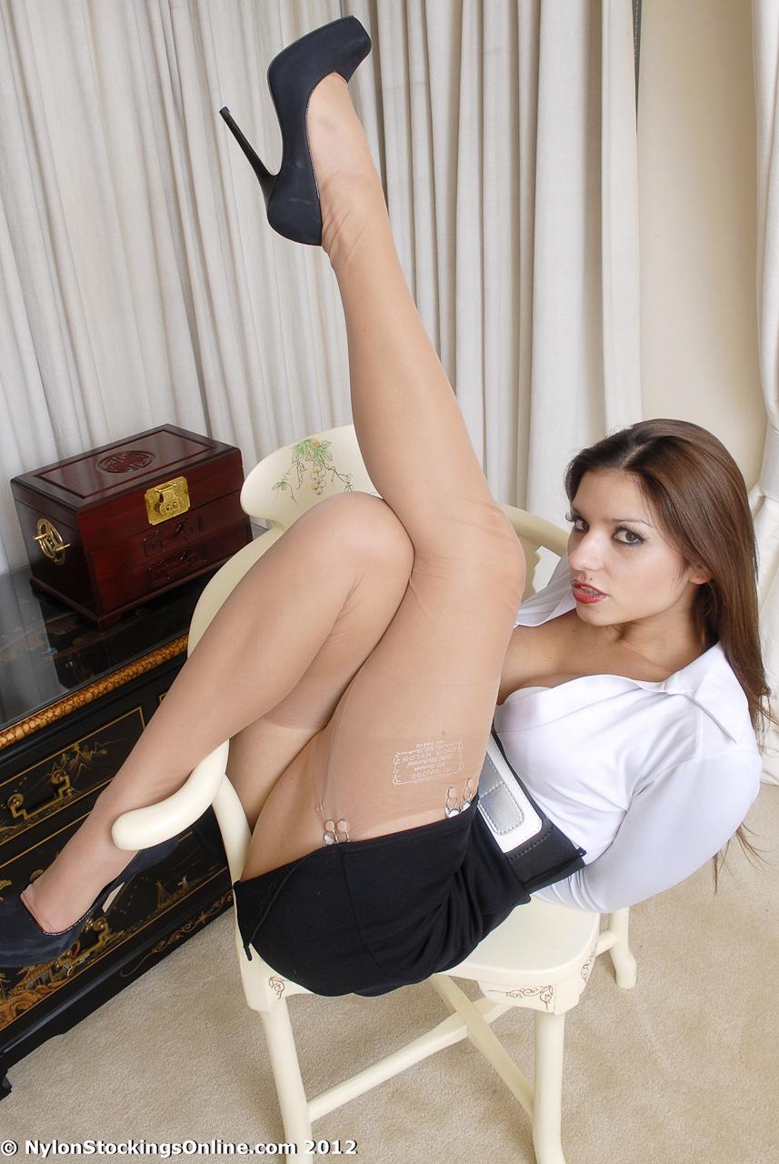 Порно в джнсовой юбке
