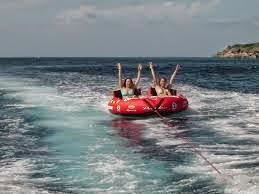 Bagi anda yang ingin bermain di Pantai dan penasaran ingin mencoba Watersport. Kami akan memberi penawaran dan informasi untuk Biaya Watersport di Pantai Batukaras: