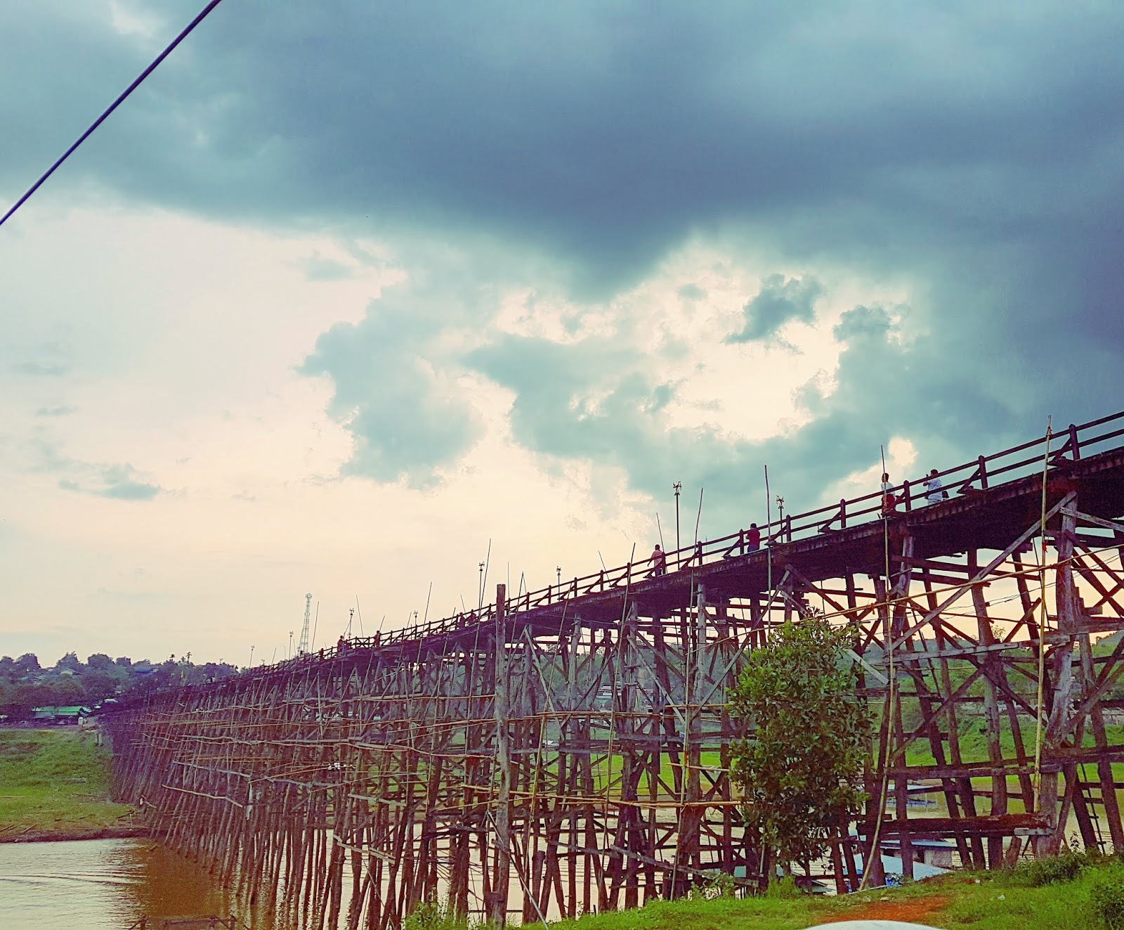 Sangkhlaburi wooden bridge - volunteering at an animal shelter in Thailand - Ummi Goes Where?