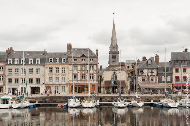 Honfleur ciudad imprescindible Normandia viaje turismo