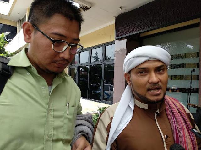 Novel Bamukmin PA 212 Sebut Cinta Prabowo Insya Allah Masuk Surga