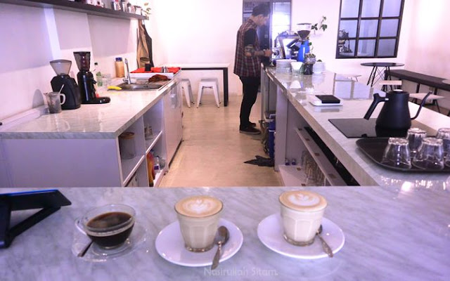Pesanan kopi di Aegis Coffee Seturan