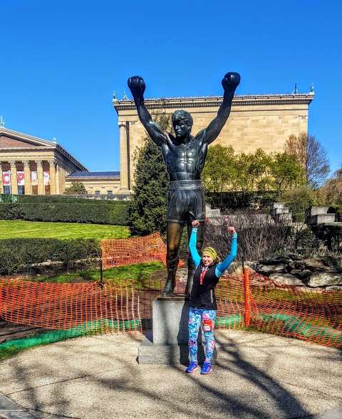philly-love-run-half-marathon-rocky-statue-2016
