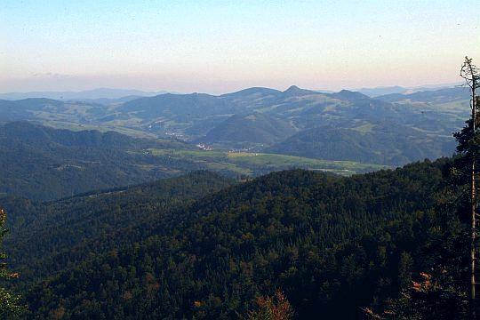 Pieniny Małe z najwyższym szczytem całych Pienin - Wysoką.