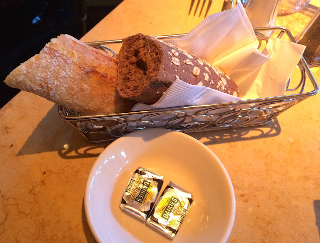 Is Cheesecake Factory Dog Friendly