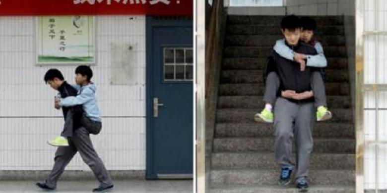 Remaja Ini Menggendong Temannya yang Cacat ke Sekolah Selama 3 Tahun