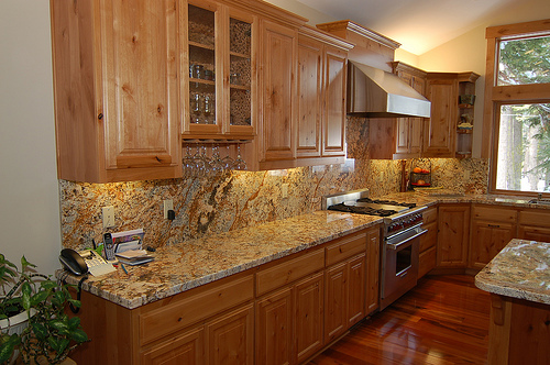 Kitchen Trends: Knotty Alder Kitchen Cabinets