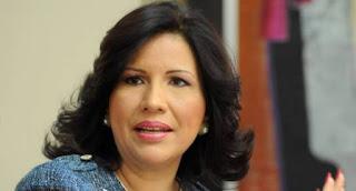 """La vicepresidenta de la República, Margarita Cedeño llamó al  cantante Enmanuel Herrera, conocido como  El Alfa, a """"transformar la vulgaridad y la obscenidad en valores y principios para la juventud""""."""