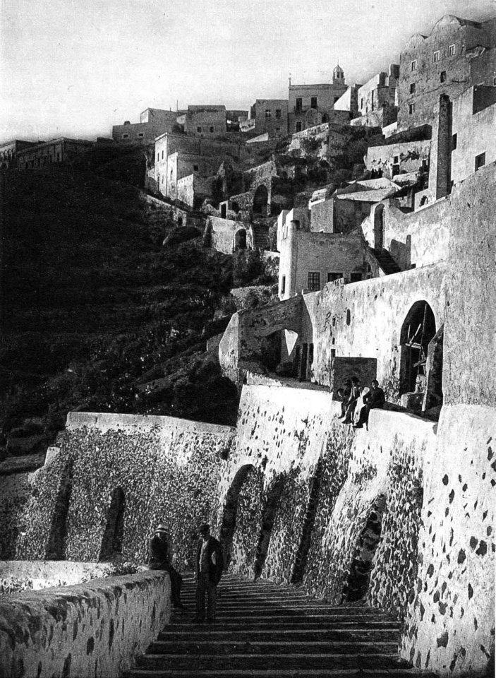 Old photos of Santorini (Path 1)   560694 465093716841292 559325604 n