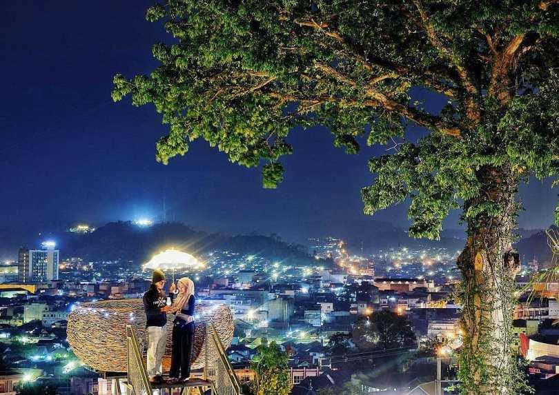 bukit randu tempat romantis di lampung