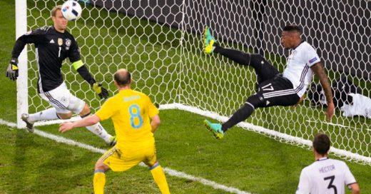 Boateng salvó a Alemania al estilo de los'Súper Campeones'