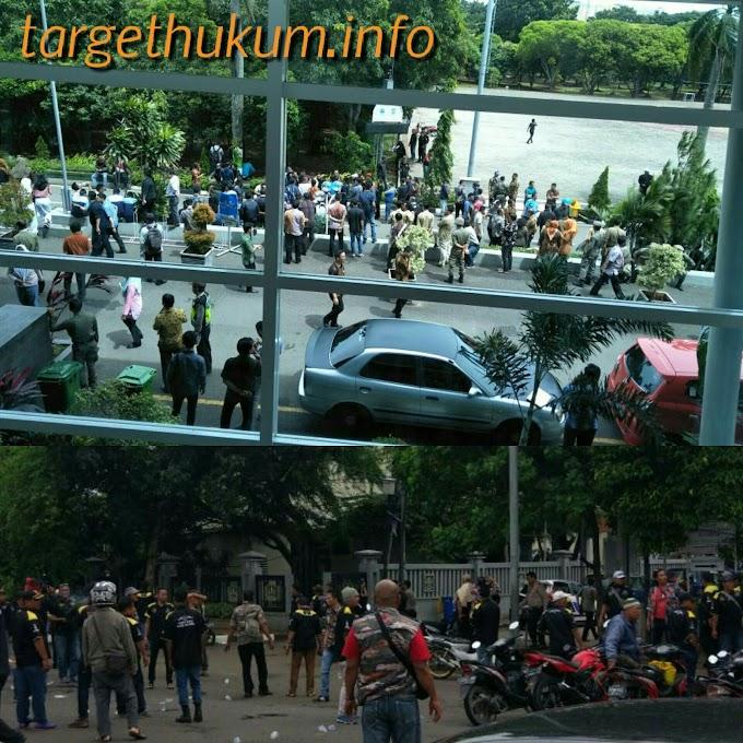 Lima Ormas Baku Hantam di Bekasi