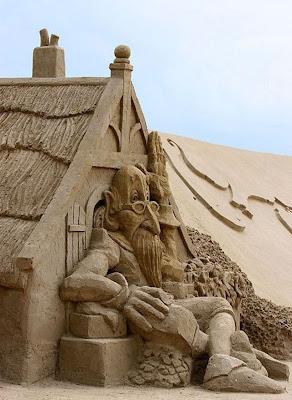 Escultura de arena de una casa