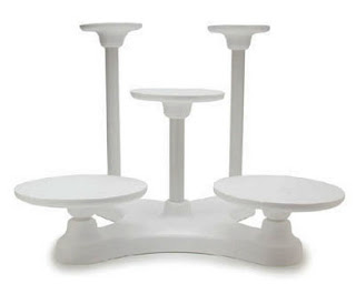Towering Tiers Wedding Cake Stands for your Stunning Wedding Day
