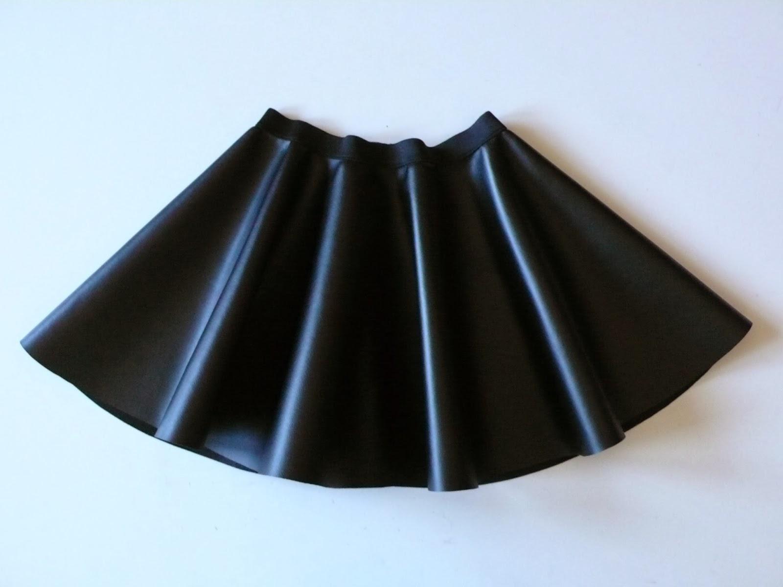 Pequeña Fashionista  Tutorial  Falda de capa con cinturilla elástica f80f1255307c