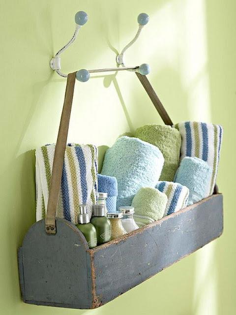 bathroom design idea with elegant towels hanging
