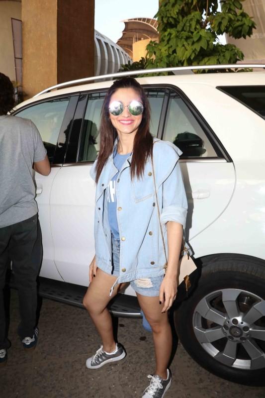 Alia Bhatt, Arpita Khan and Sridevi Kapoor Spotted at Justin Bieber Mumbai