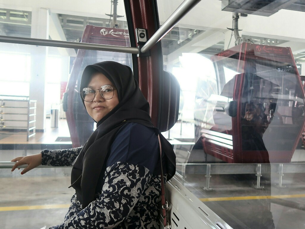Glass Floor Gondola Awana Skyway