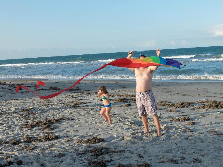Sweet Turtle Soup - Summer Bucket List   fly a kite