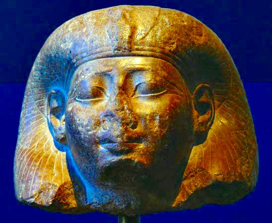 Cabeza de una reina, escultura cuarcita marrón de Egipto, c. 1479-25 aC