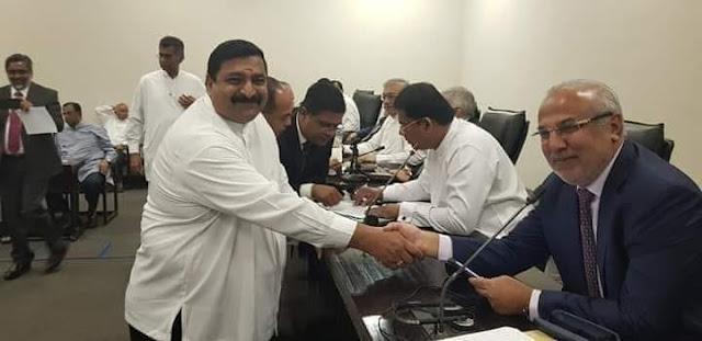 மீண்டும் ஐக்கிய தேசிய கட்சியுடன் இணைந்தார் வடிவேல் சுரேஷ்!